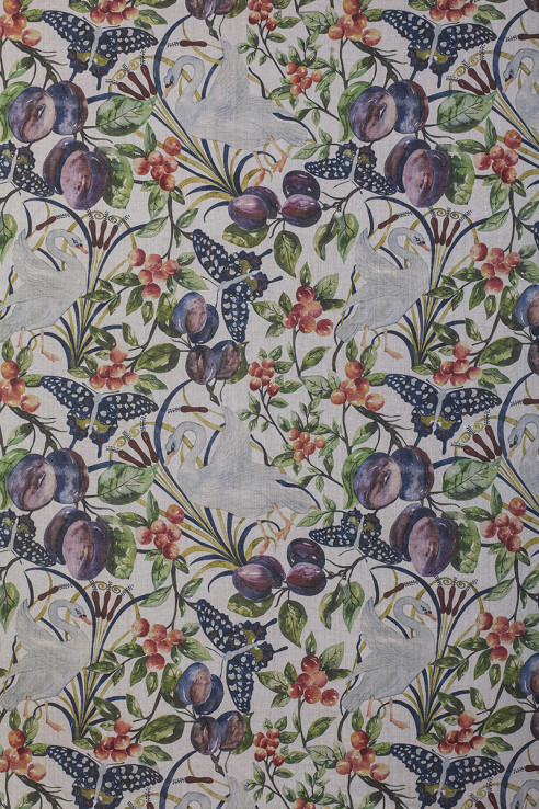Birds and Fruit in Full Colour on Pure Linen 1
