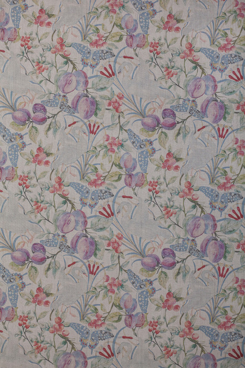 Birds and Fruit in Vintage on Pure Linen 1